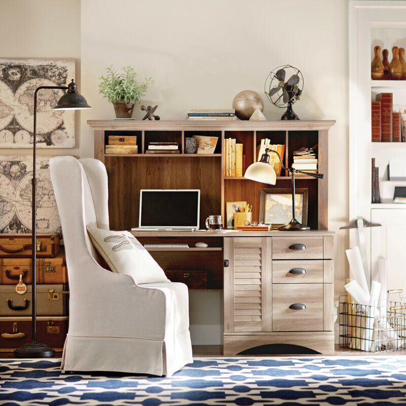 Beachcrest Home Pinellas Computer Desk With Hutch