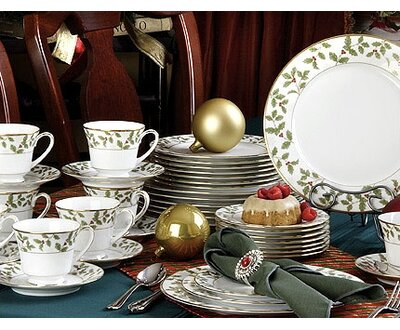 Noritake Holly and Berry Gold 40 Piece Dinnerware Set, Service for 8 ...