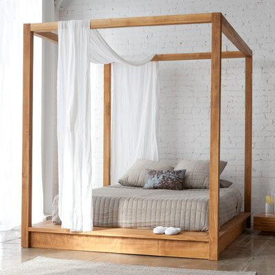 PCHseries Canopy Bed Mash Studios Size: Queen