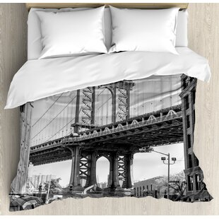 Landscape Brooklyn New York Usa Landmark Bridge Street With Cars Photo Duvet Set