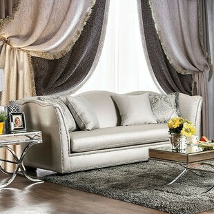 Giovanny Sofa