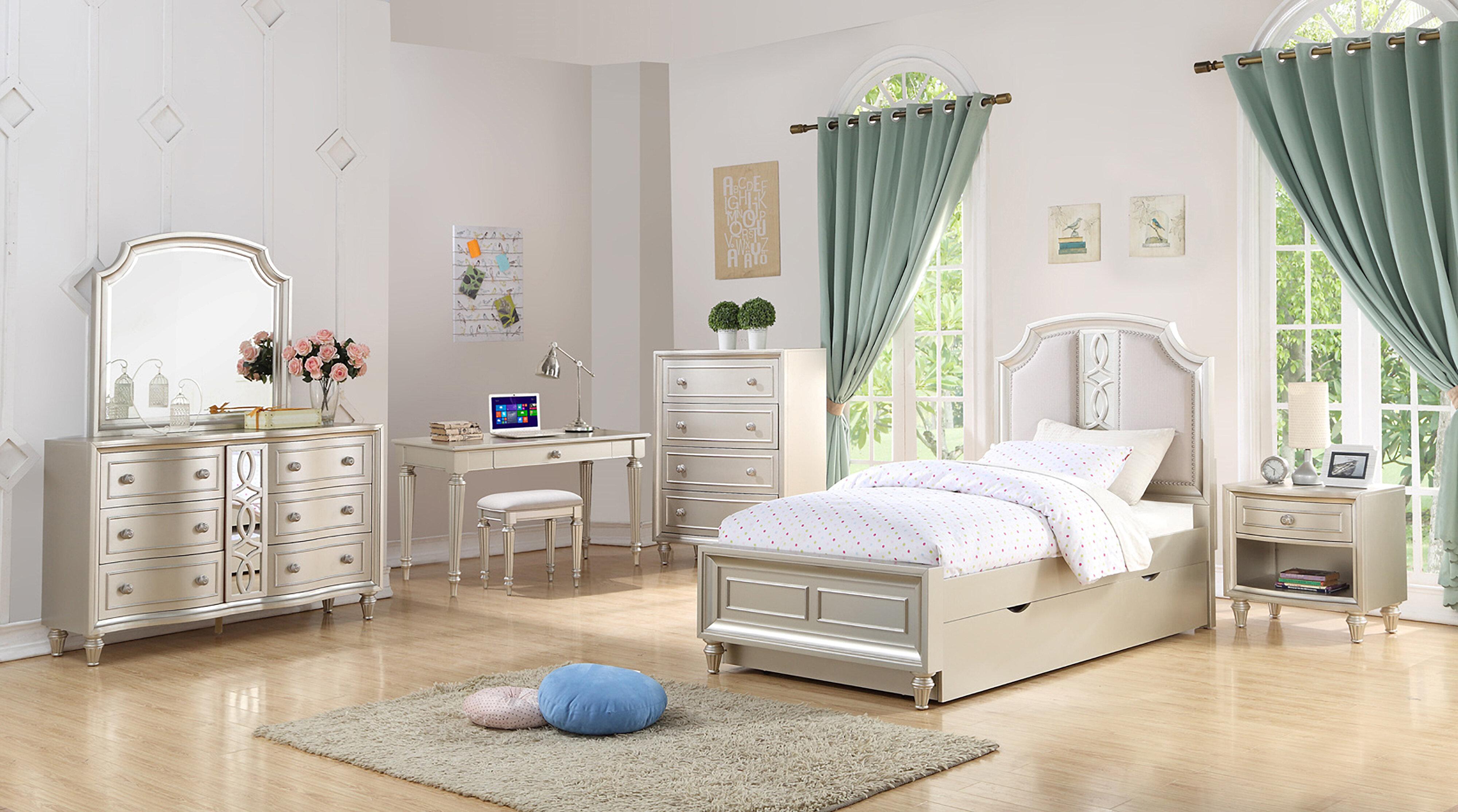 Skeffingt Platform Configurable Bedroom Set