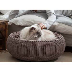 Knit Cozy Pet Bed
