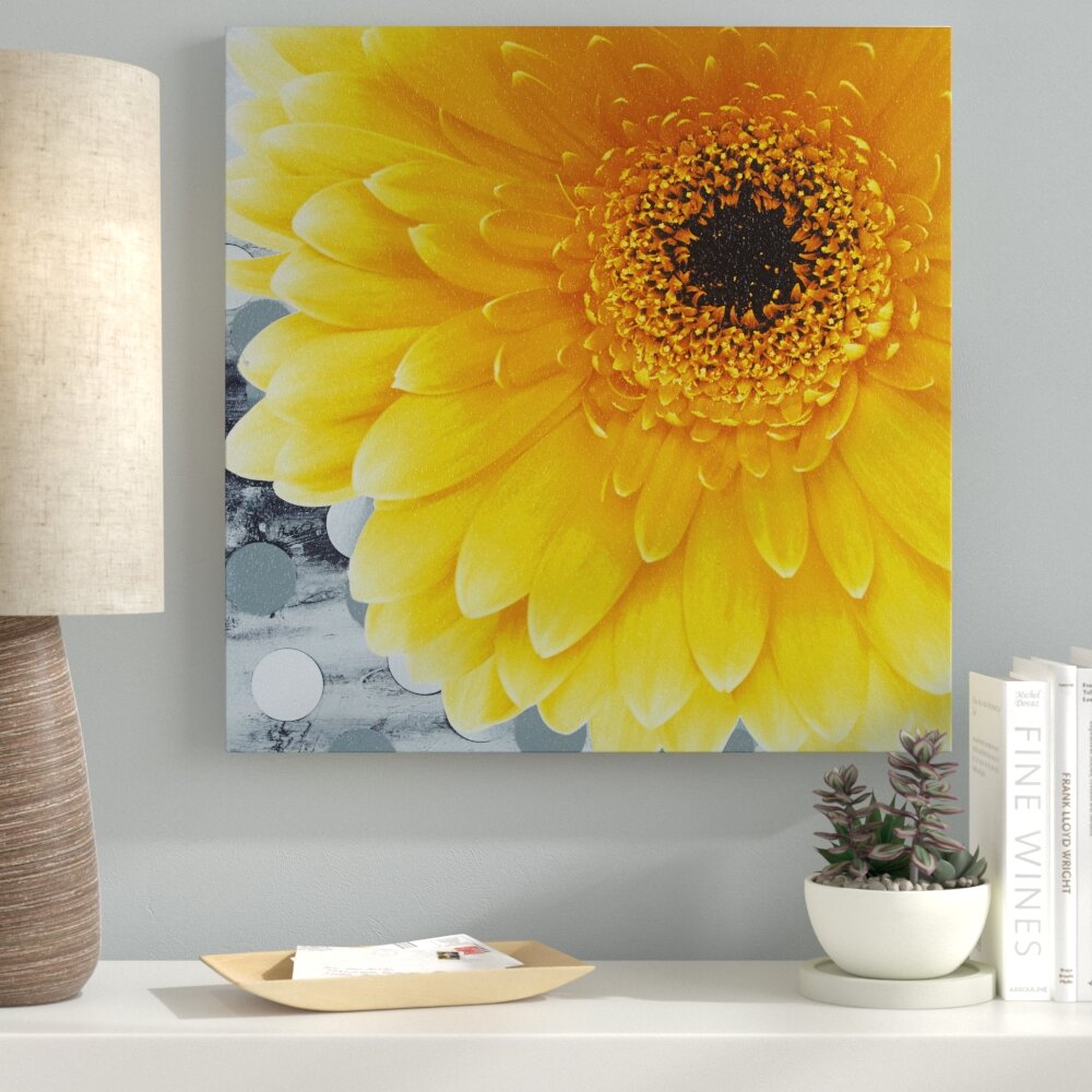 Ebern Designs \'Vibrant Yellow Daisy\' Graphic Art on Canvas | Wayfair
