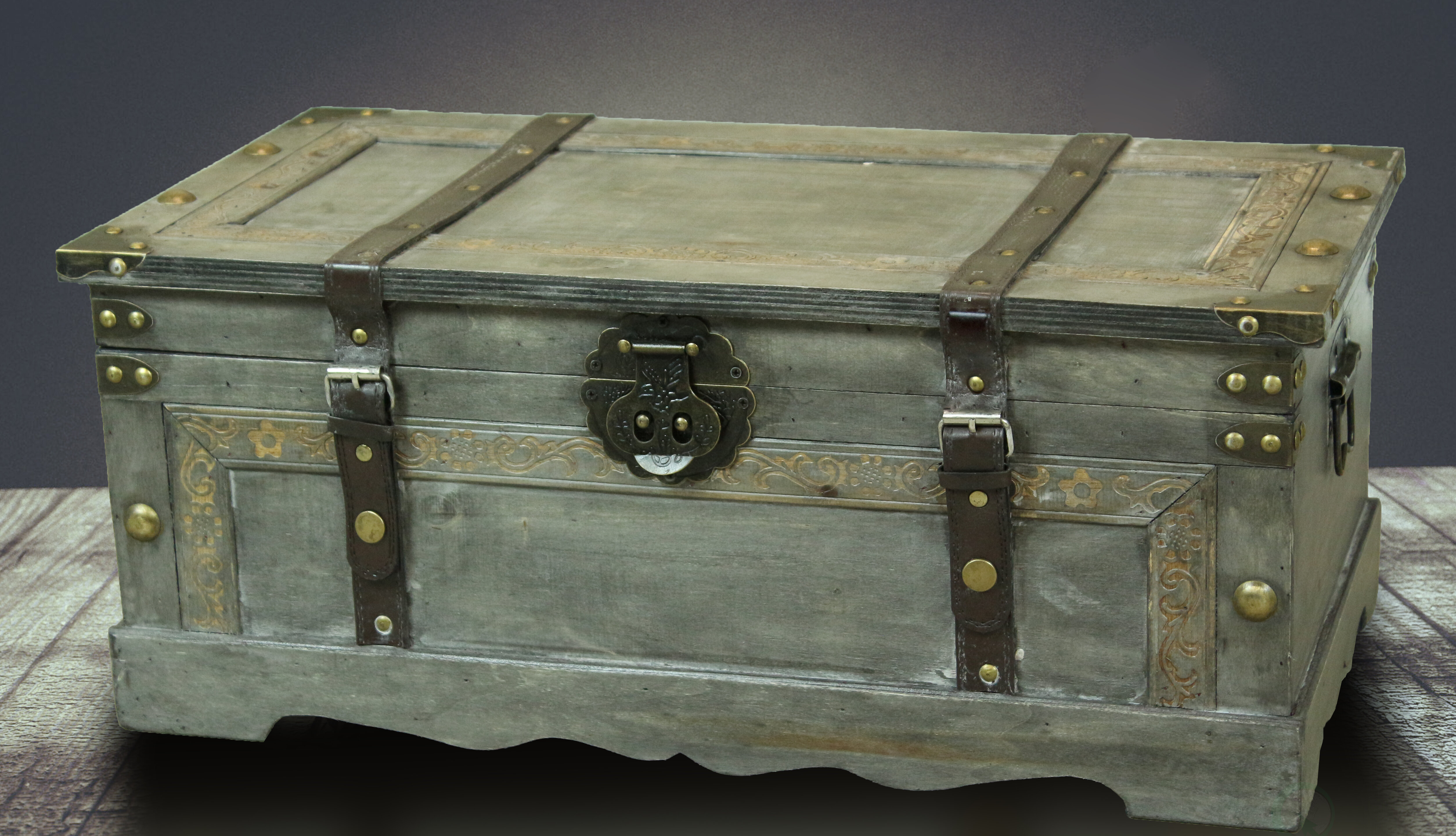 Vintage wooden Trunk Chest Rustic Industrial Coffee table Toy Box Storage