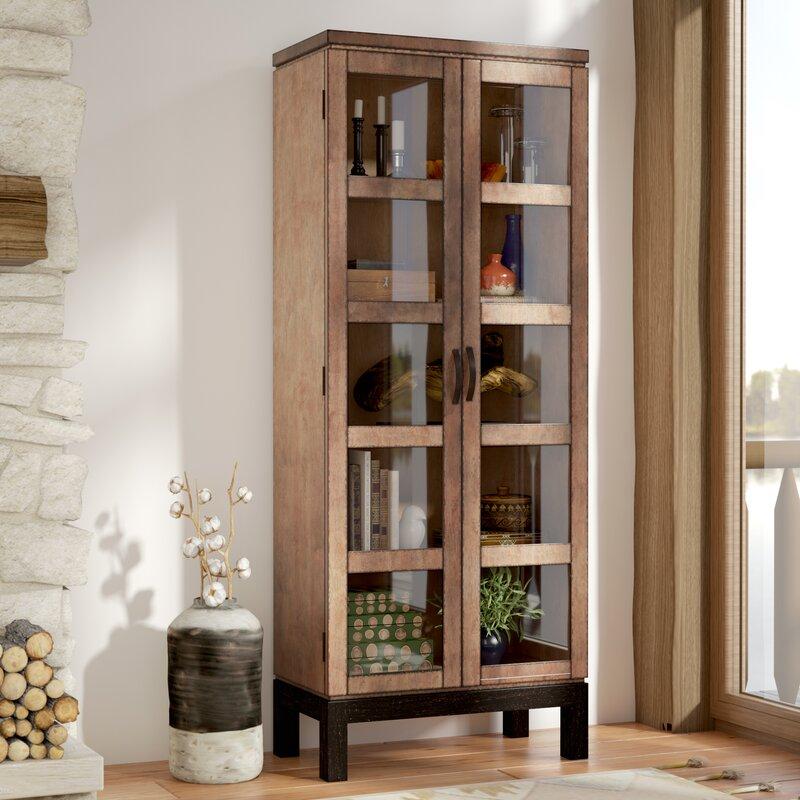 Merveilleux Harwich Curio Cabinet