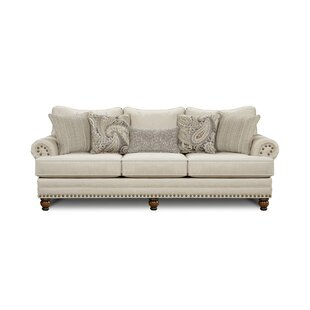 Merveilleux Everhart Sofa