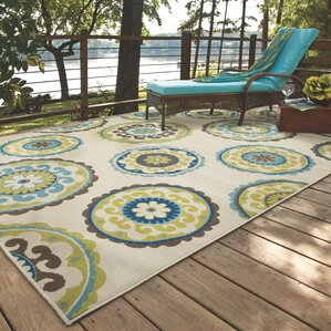 Lovely Capri Beige/Green Indoor/Outdoor Area Rug