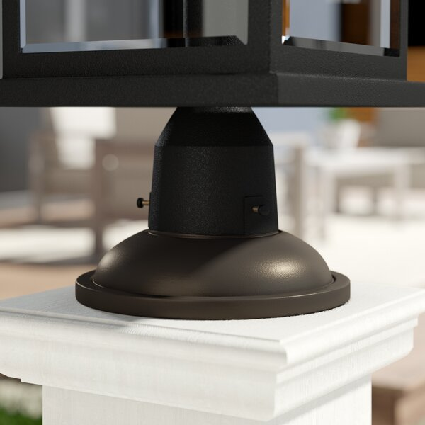 Outdoor Pier Mount by Hinkley Lighting