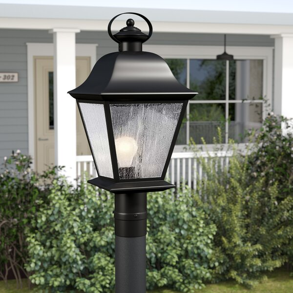 Darrah Traditional Outdoor 1-Light Lantern Head by Three Posts