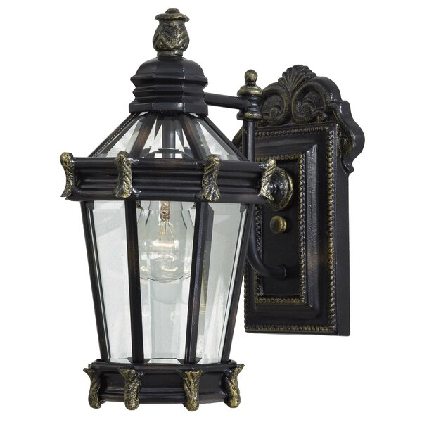 Stratford Hall 1-Light Outdoor Wall Lantern by Great Outdoors by Minka