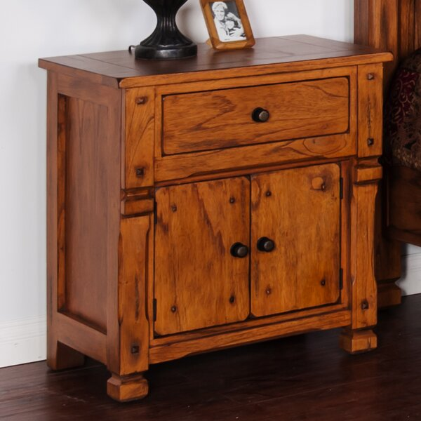 Fresno 1 Drawer Nightstand by Loon Peak