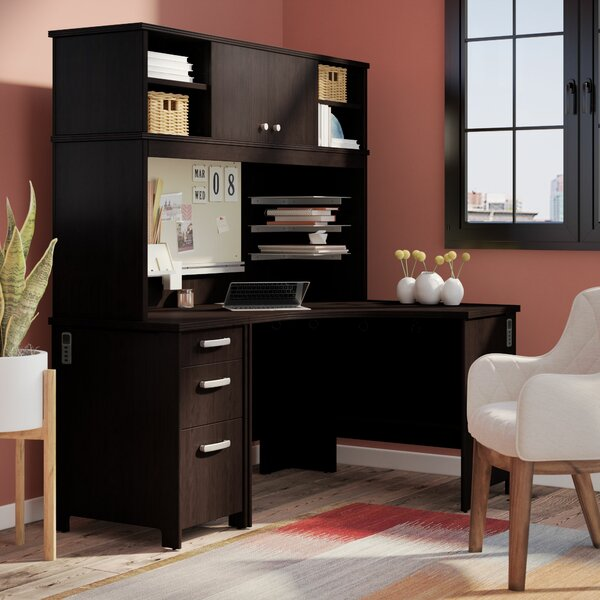 Benter Corner Desk with Hutch by Latitude Run
