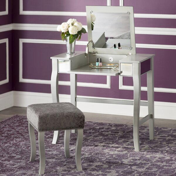 Strattenborough Vanity Set with Mirror by Willa Arlo Interiors