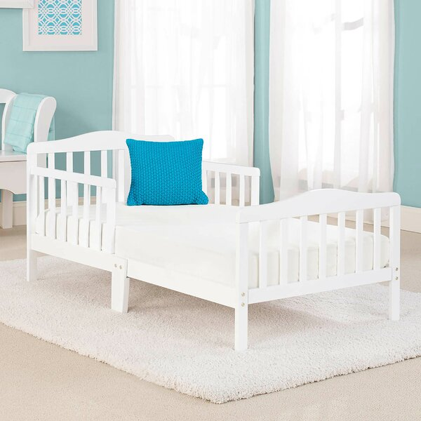 Big Oshi Platform Toddler Bed by Baby Time International, Inc.