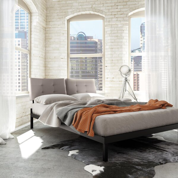 Maxton Upholstered Platform Bed by Latitude Run