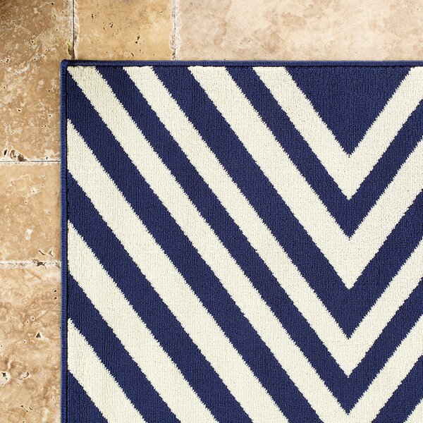Solana Navy/Ivory Indoor/Outdoor Area Rug by Birch Lane™