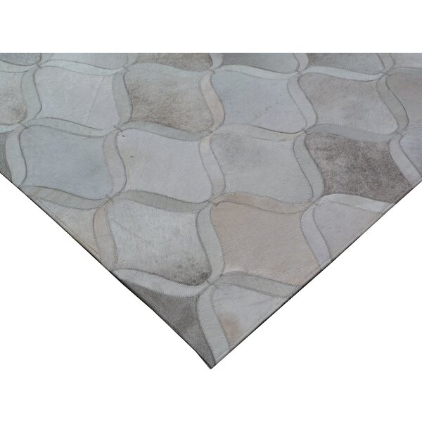 Natural Hide Hand-Tufted Cowhide Silver/Ivory Area Rug by Exquisite Rugs