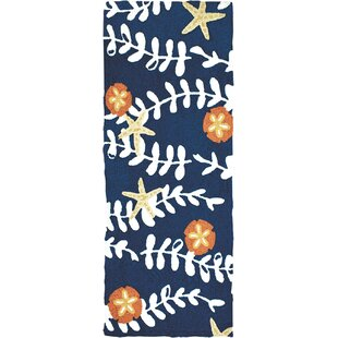 Affordable Caress Sea Vines with Sand Dollars Hand-Hooked Blue/White Indoor/Outdoor Area Rug ByHighland Dunes