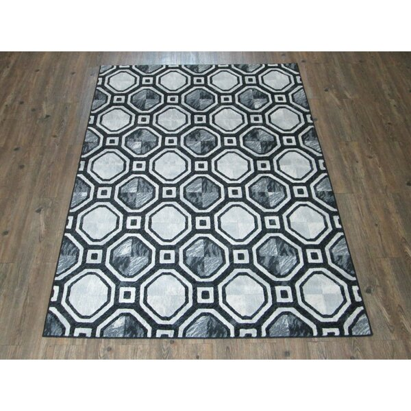 Araminta Contemporary Gray/Black Indoor/Outdoor Area Rug by Red Barrel Studio