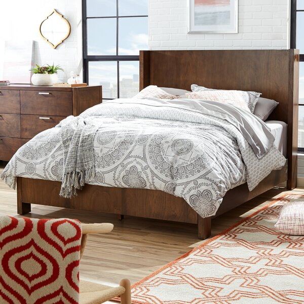 Ayaan Standard Bed by Ivy Bronx