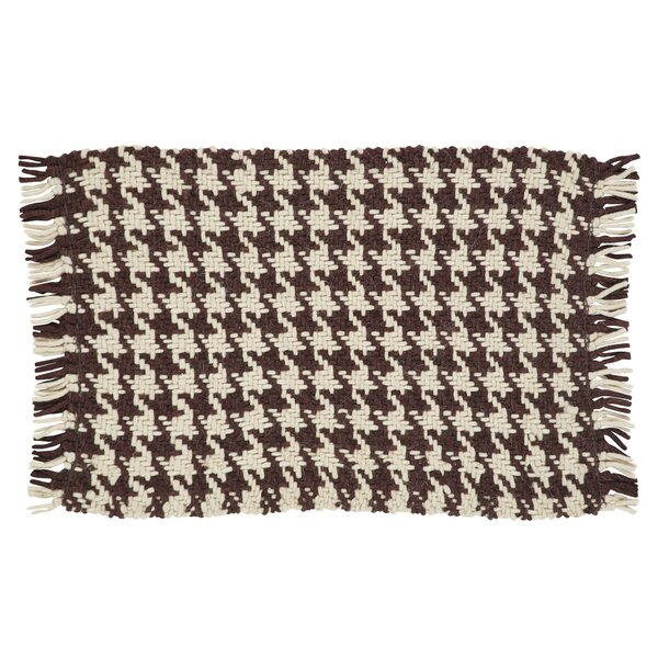 Cassie Area Rug by August Grove
