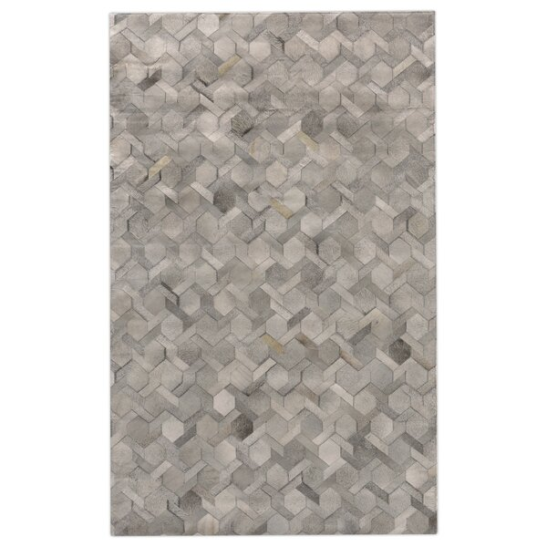 Natural Hide Hand-Tufted Cowhide Silver Area Rug by Exquisite Rugs