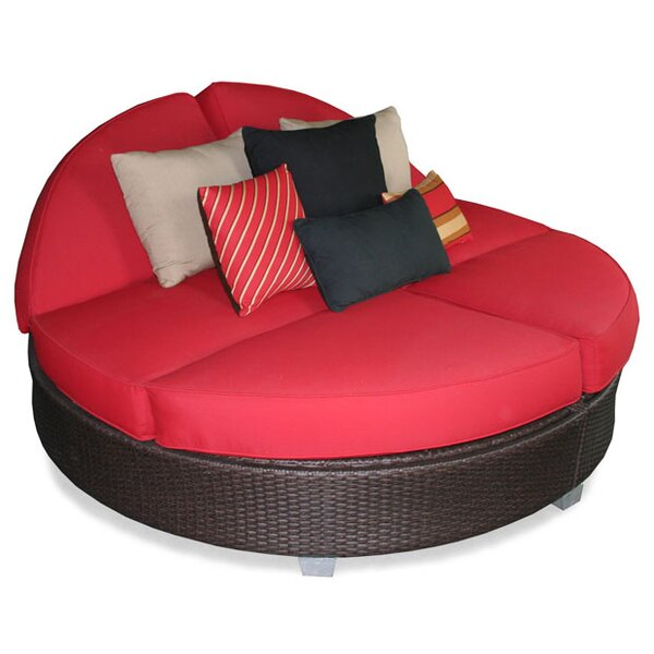 Signature Round Double Chaise Lounge by Patio Heaven