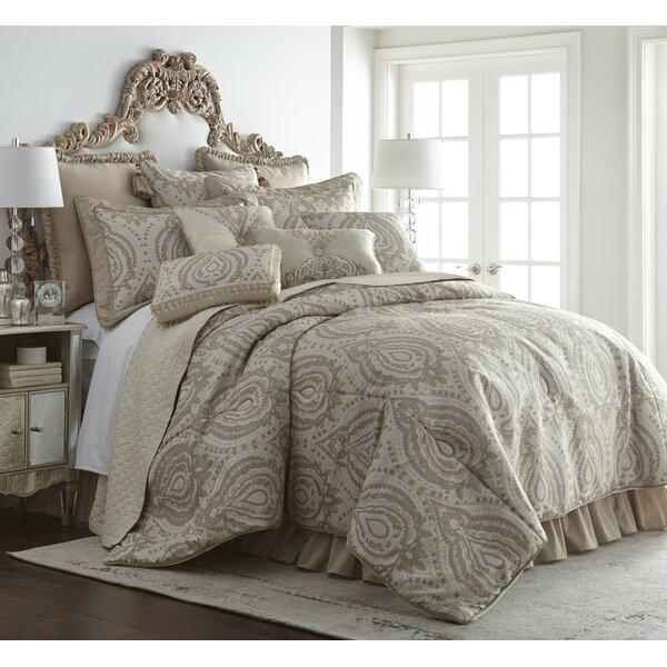 Penley Comforter Set