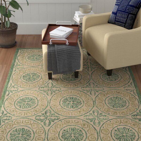 Tracie Green/Ivory Area Rug by Fleur De Lis Living