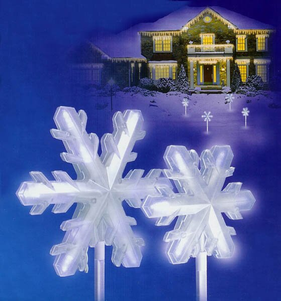 LED Lighted 3-D Snowflake Pathway Markers Christmas Light (Set of 4) by The Holiday Aisle