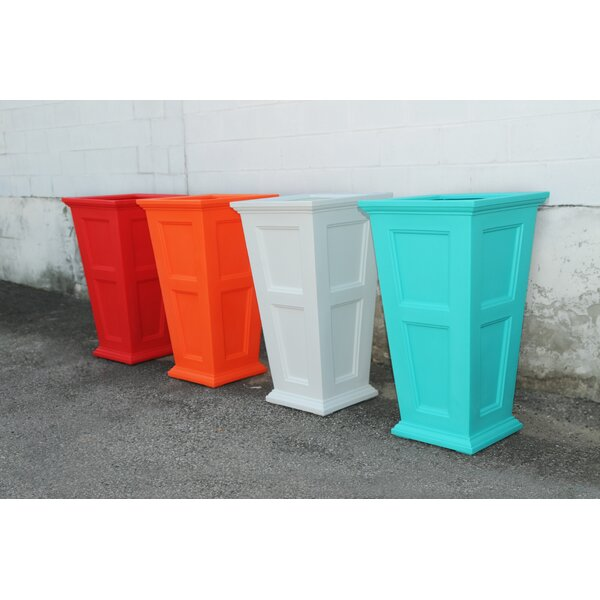 Fairfield Plastic Pot Planter by Mayne Inc.