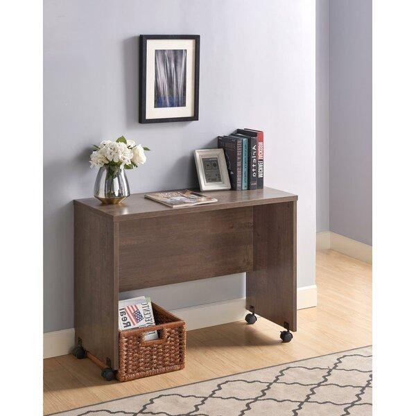 Zuzia Desk