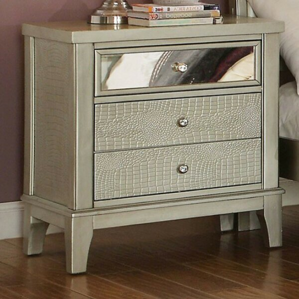 Amiyah 3 Drawer Nightstand by Everly Quinn