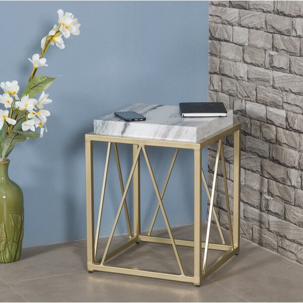 Dinah End Table by Everly Quinn