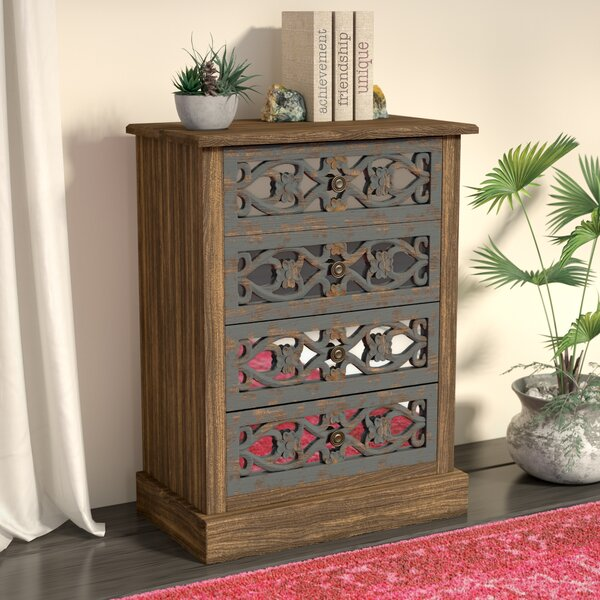 Davian 4 Drawer Accent chest by Bungalow Rose