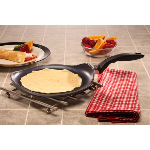 Crepe Pan by Swiss Diamond