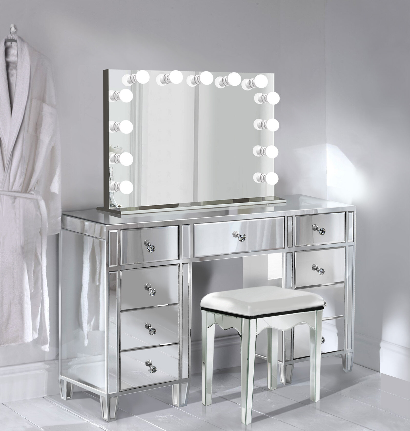 Everly Quinn Escamilla Vanity Set With