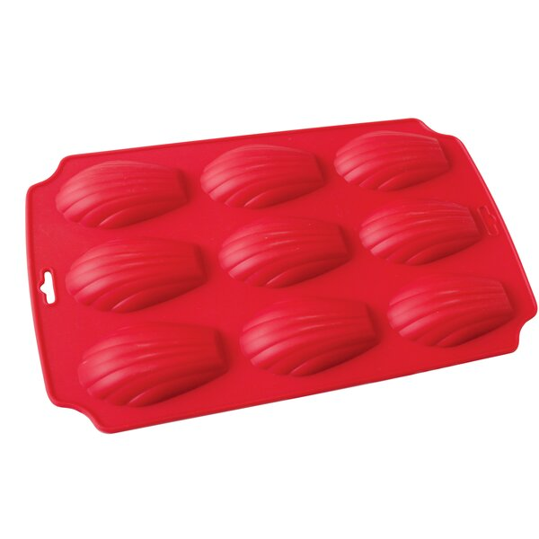 La Patisserie 9 Cup Non-Stick Silicone Madeleine Muffin Pan by MyCuisina