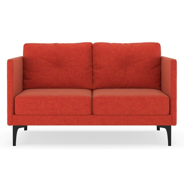 Review Croce Loveseat