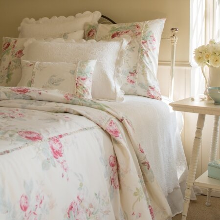 Lurdes Rose Duvet Cover
