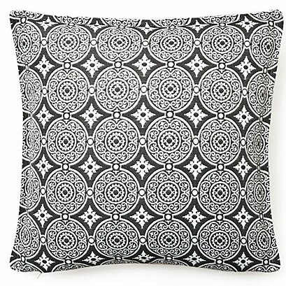 Outdoor Living Throw Pillow (Set of 2) by Corona Decor