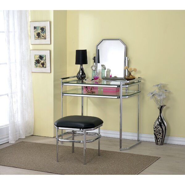 Wickham Vanity Set with Mirror by Everly Quinn