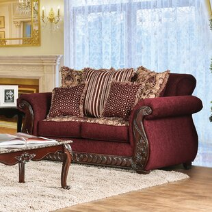 Dolson Traditional Loveseat