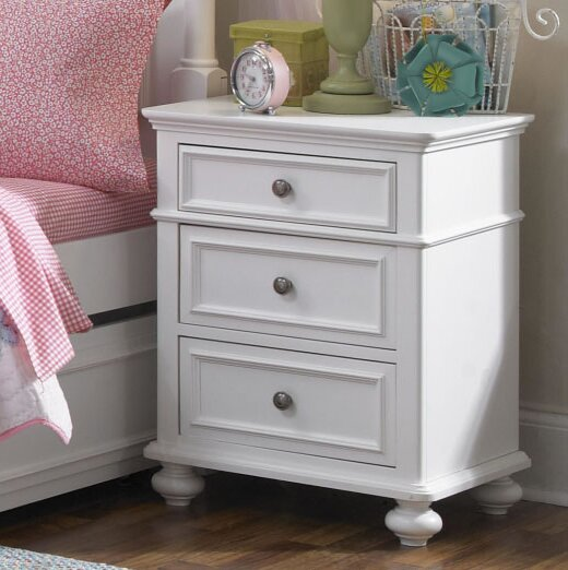 Vandervoort 3 Drawer Nightstand by Harriet Bee