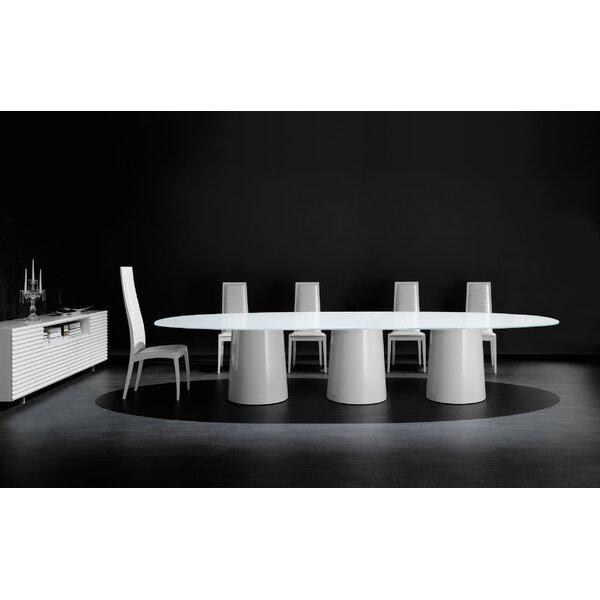 Antares 420 Dining Table by YumanMod YumanMod