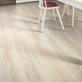 Rugged Vision 75 X 5434 1193mm Oak Laminate Flooring In Cream