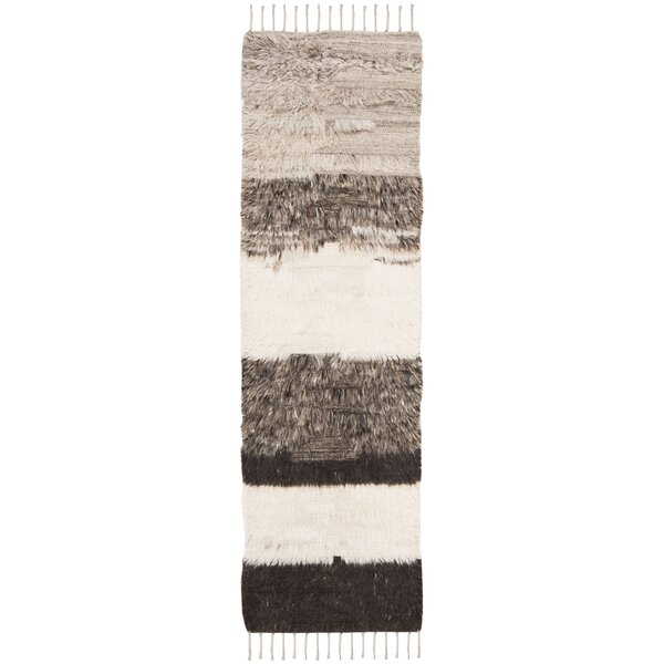 Xue Hand Knotted Wool Ivory/Gray Area Rug by Union Rustic