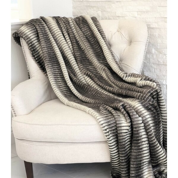 Findley Luxury Blanket by Everly Quinn