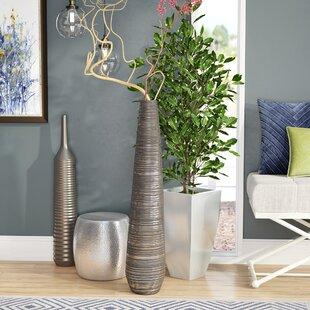 Wynter Vase